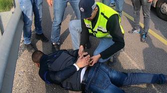 شاهد: اعتقال افراد عصابة سرقة سيارات من: الناصرة ويافة واعبلين وجنين