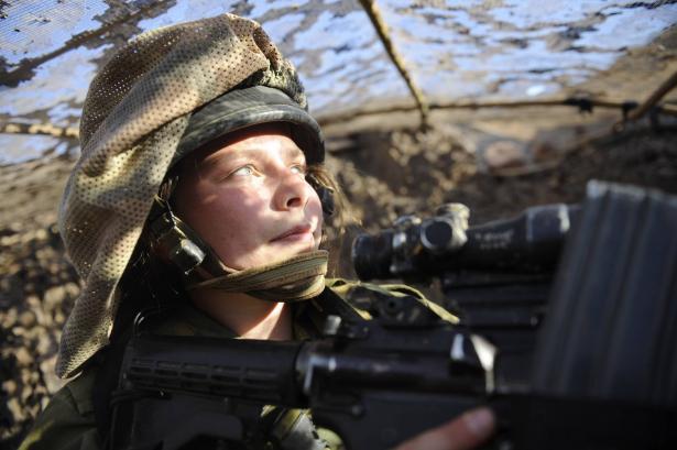 إسرائيل تطور جهازا لمنع اختطاف جنودها