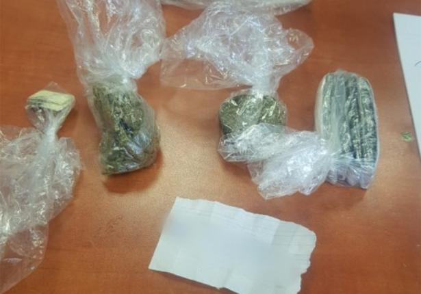 لائحة إتهام: قاصر من المثلث وصل لزيارة قريبه في أحد السجون وبحوزته كمية من المخدرات