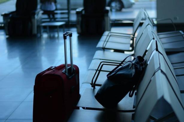 أغراض ضرورية بحقيبتك خلال السفر في الشتاء