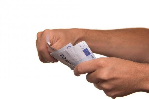 وتد للشمس: التعاملات المالية والصفقات النقدية ستتغير العام القادم وفق قانون جديد