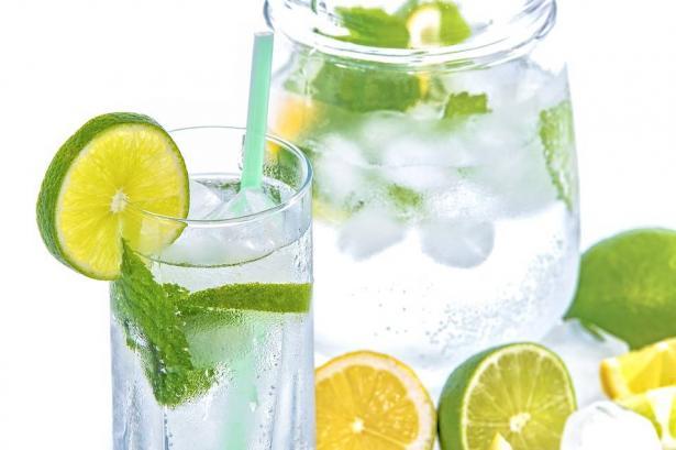 فوائد لشرب الماء مع الليمون صباحا