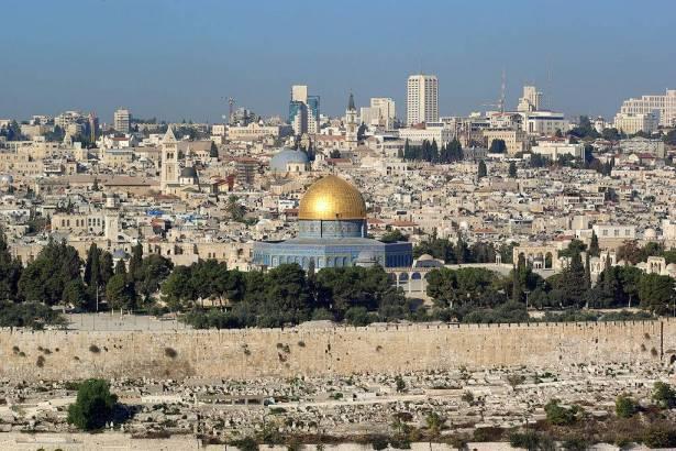 قناة اخبارية تكشف: ليؤون رئيس بلدية القدس، يخطط لإسكات مآذن القدس!!
