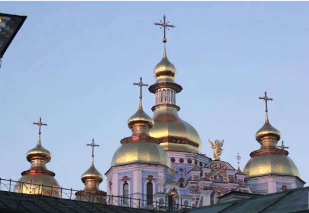 الشمس تناقش اسباب انفصال الكنيستين الارثوذكسية الاوكرانية والروسية بعد 330 عاما