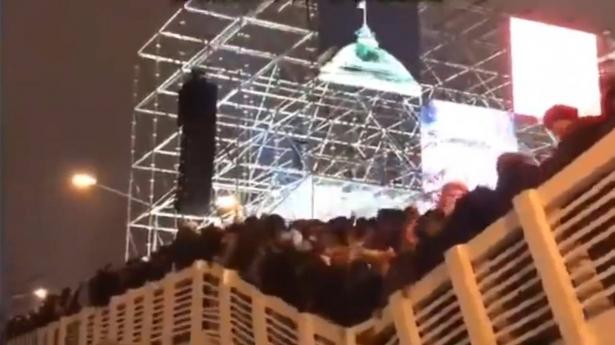 انهيار جسر في موسكو اثناء الاحتفالات بعيد رأس السنة