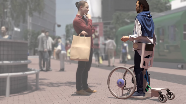 تويوتا تستعرض مقاعد تساعد ذوي الاحتياجات الخاصة على المشي.. فيديو