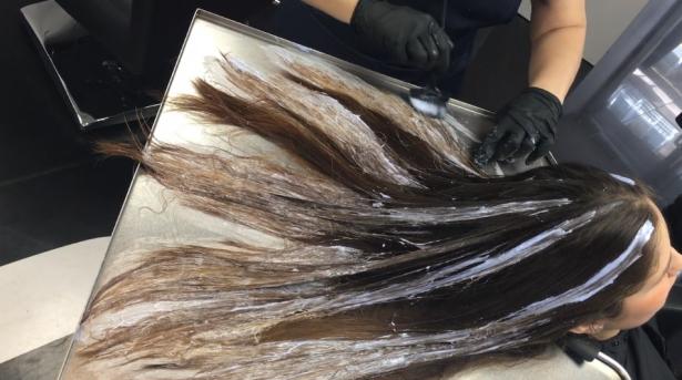 ما حقيقة أضرار صبغات الشعر على الصحة؟