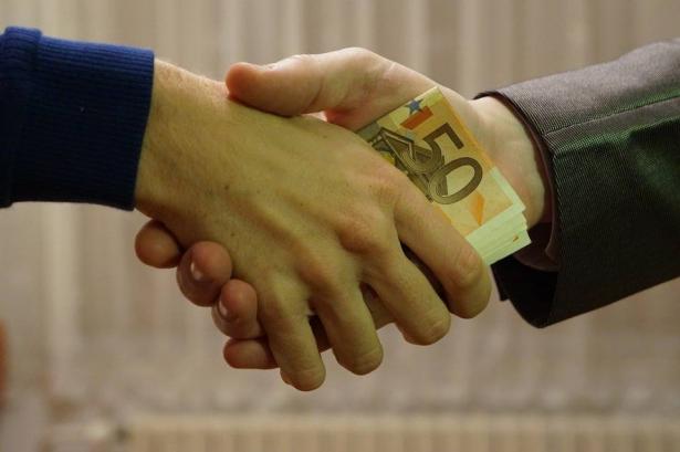 كل ما ترغبون بمعرفته عن  قانون الأموال النقدية الجديد