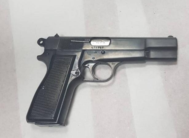 مراسل الشمس: اعتقال سيدة من زلفة بعد العثور على مسدس