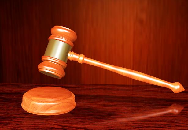 الحكم بالسجن 11 عامًا وتعويض 270 الف شيكل على شاب من الخليل طعن جنديًا
