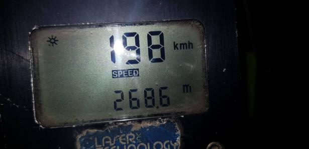 ضبط سائق من ام الفحم (19 عامًا) بسرعة 198 كلم