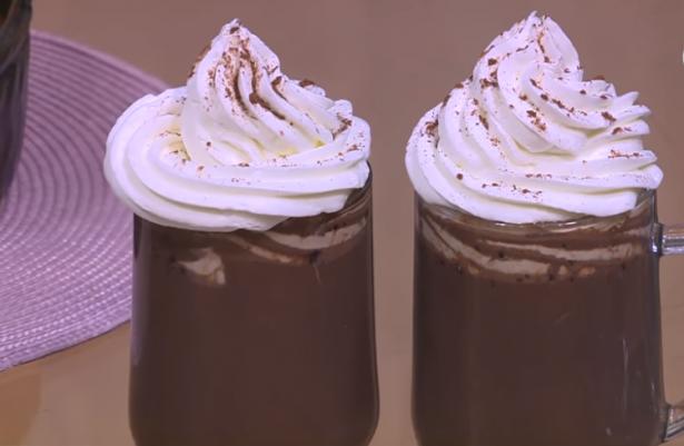 طريقة عمل مشروب الكاكاو بالكريمة