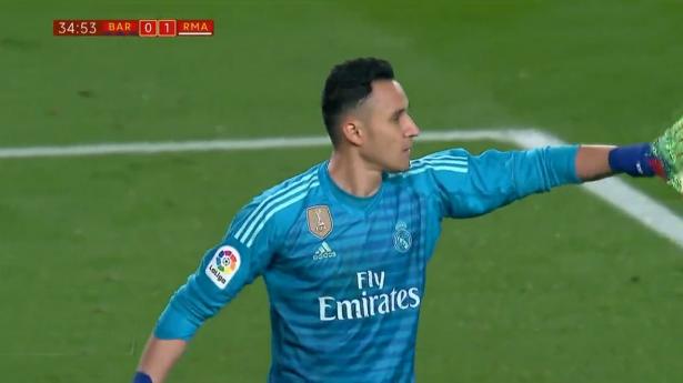 ريال مدريد يكسب تعادلاً ثميناً أمام برشلونة