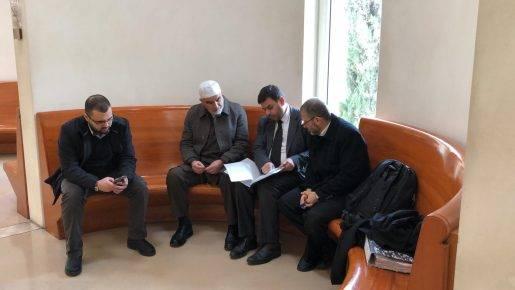 تطورات محاكمة الشيخ صلاح: تأجيل القرار بخصوص تمديد الإقامة الجبرية بالقيد الإلكتروني
