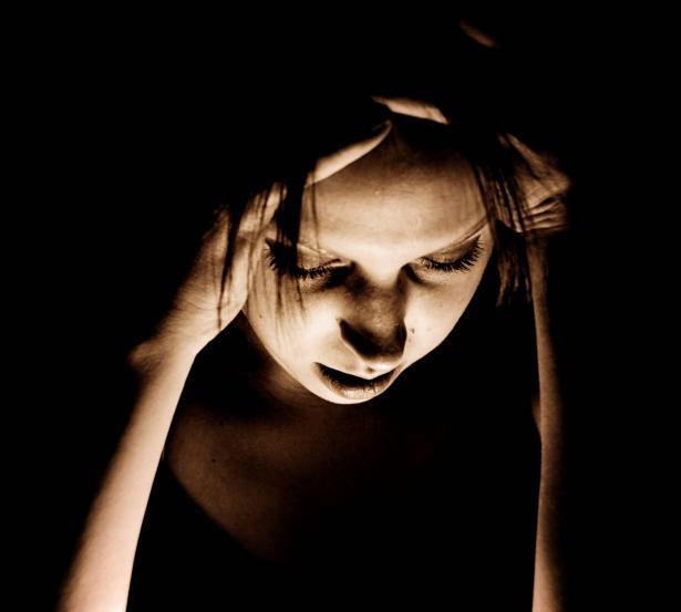 4 طرق طبيعية تساعدك فى علاج الصداع