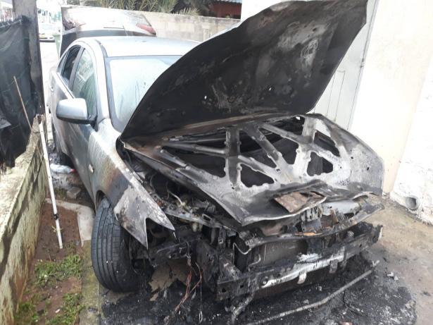 يحدث في جلجولية: حرق سيارة معلم مدرسة