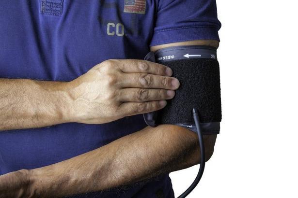 ارتفاع ضغط الدم، أسبابه وكيفية الوقاية منه! بروفيسور عباسي يتحدث للشمس