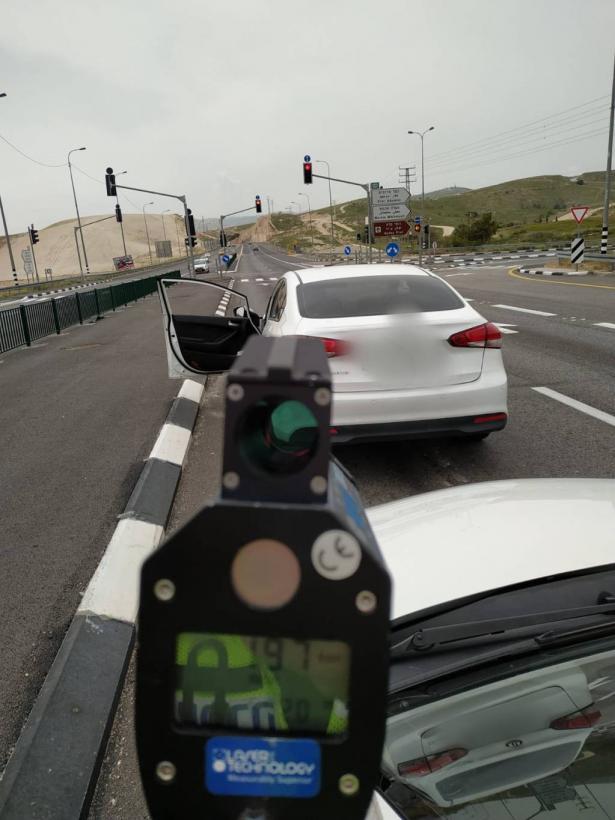 ضبط سائق من  بيت لحم بسرعة 197 كلم على شارع رقم 1