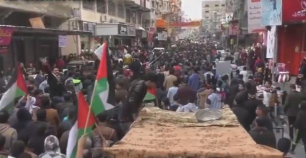 زقوت للشمس: حماس لم تتعامل مع الاحتجاجات كمطالب معيشية بل كتهديد لحكمها