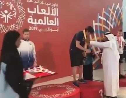 الامارات تقلد لاعب اسرائيلي ميدالية الالعاب الاولومبية في ابو ظبي !