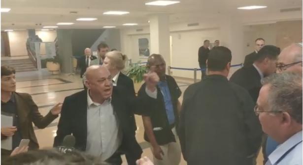 شاهد: صراخ وغضب النائب فريج خلال بحث طلب ميرتس بشطب