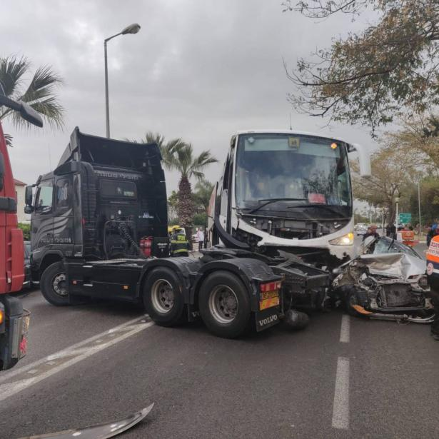 حادث مروع قرب مستشفى نهاريا واصابات خطرة