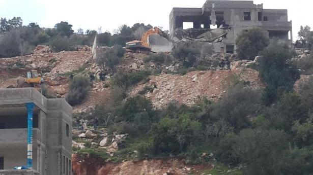 شاهد: بلدة خور صقر تشهد هدم 5 منازل صباح اليوم