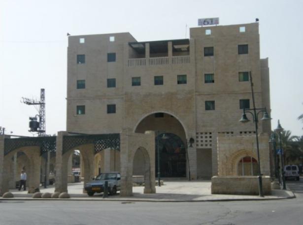 يركا مجددًا: انفجار قنبلة بالقرب من مبنى المجلس المحلي فجرًا