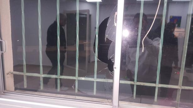 مجد الكروم: اطلاق نار على بناية المجلس المحلي