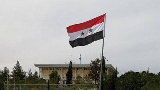 العلم السوري يرفرف أمام الكنيست الإسرائيلي