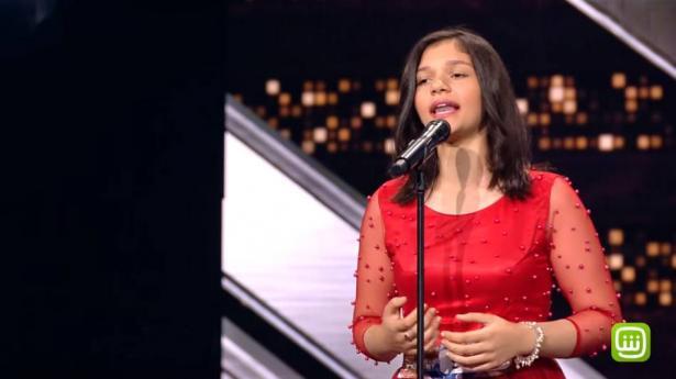 حفيدة أم كلثوم تصدم الجميع وتطرب اللجنة والجمهور في برنامج Arabs Got Talent