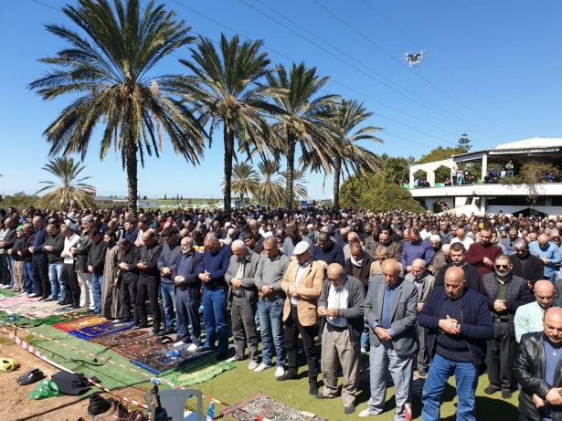 صلاة جمعة حاشدة على اراضي الطنطور دعما للرباط ضد مخطط الطنطور