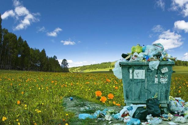 تحدي النفايات ما يزال يتصدر السوشيال ميديا