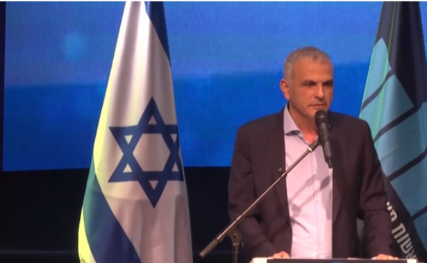 نتنياهو وكحلون يخططان لاحتمال انهيار للسلطة الفلسطينية