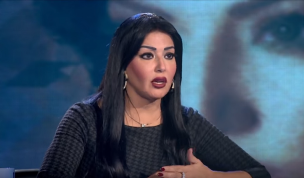 غضب في السعودية بسبب تكريم الفنانة سُميّة الخشّاب