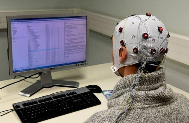 هل أصبح دمج الدماغ البشري مع الحاسوب أمرا وشيكا؟