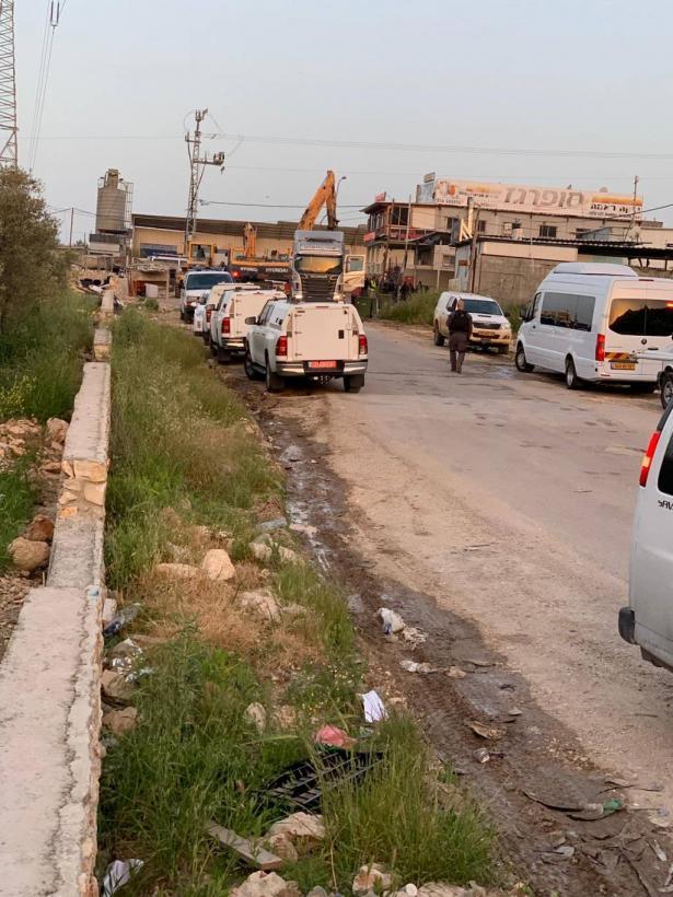شاهد: هدم مباني في نحف بجة البناء الغير  مرخص