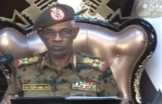 سليمان للشمس: رغم الاطاحه بالبشير، الشعب السوداني غير راضٍ وفي حالة ترقب