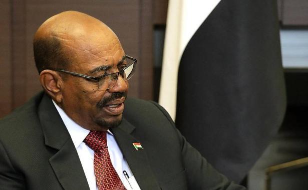 أنباء عاجلة من السودان: الجماهير تسقط النظام والبشير يستقيل