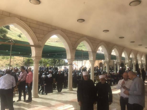 الصحافي منعم حلبي يلخص بحديثه مع الشمس الأجواء العامة ومراسيم زيارة مقام النبي شعيب