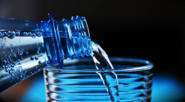 فوائد شرب كميات كافية من المياه