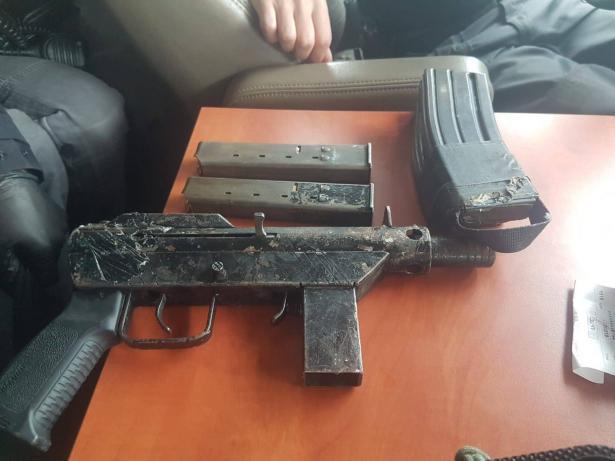 الشرطة تعثر على اسلحة في الناصرة واكسال والزرازير