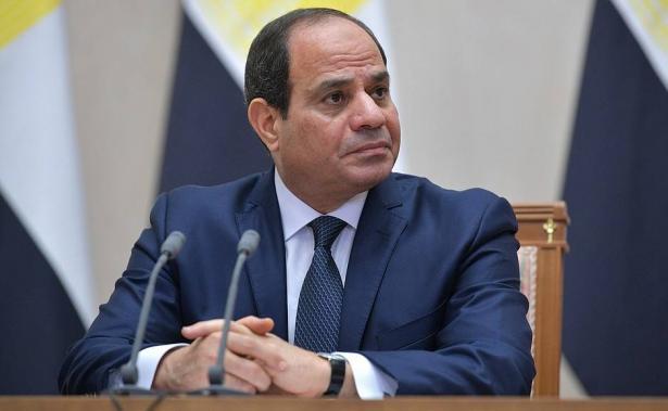 ماذا ينتظر مصر بعد الموافقة على التعديلات الدستورية التي تقضي ببقاء السيسي رئيسًا حتى 2030؟ الشمس تحاور الصحافي علي التواب