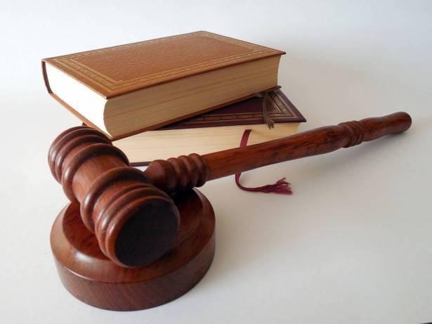 الحكم بالسجن الفعلي على شابتين من النقب والتهمة
