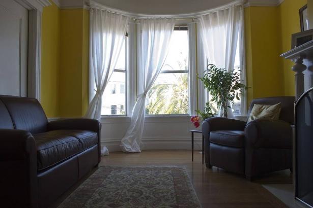 أفكار لتوسيع غرف منزلك الضيقة