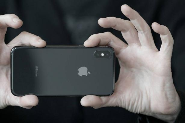 هذا ما تخططه آبل لهواتف الآيفون القديمة؟
