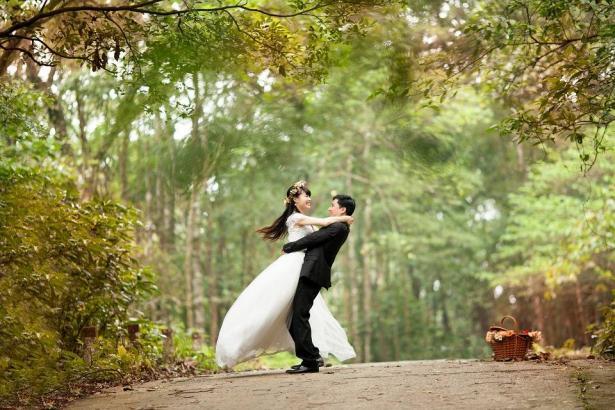 هل بات الزواج المبكر لعنة لبعض الشبان والشابات