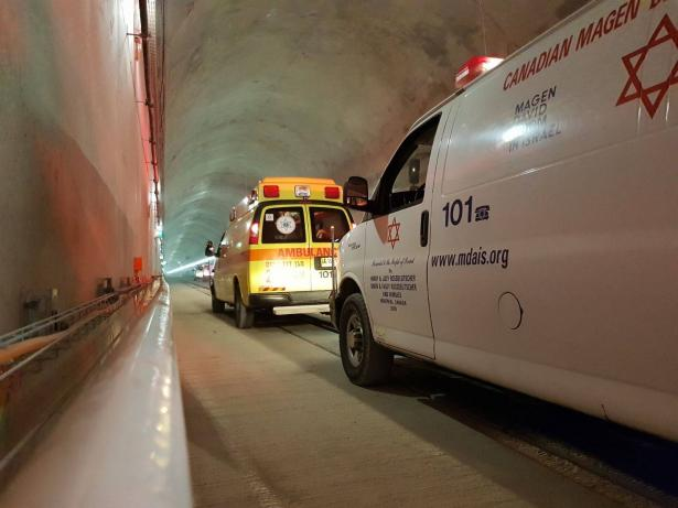 حادث على شارع رقم 3 بين 3 سيارات يسفر عن 6 اصابات