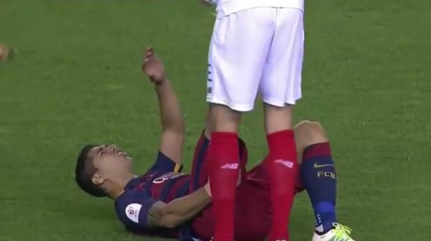 رسمياً.. انتهاء موسم لويس سواريز مع برشلونة