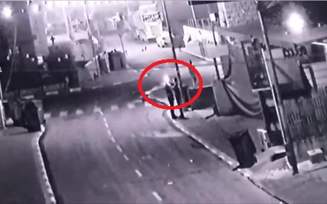 فيديو يوثق انفجار مفرقعات نارية خلال استخدام فتى من كفرمندا ادى الى فقد اصبعيه